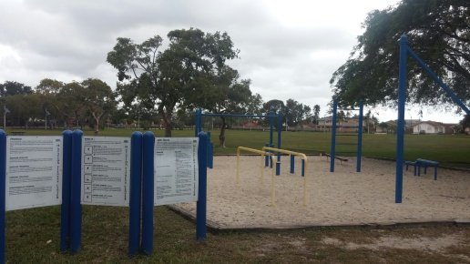 6 Exercise equipment in Lago Mar Park